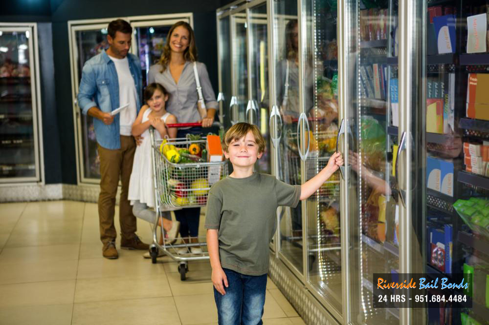 Keeping Your Kids Safe in Stores