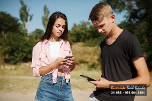 Should Minors Be Banned By Law from Having a Cellphone?